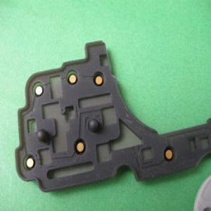 用于汽车中控台控制按钮上的金粒导电硅胶按键产品
